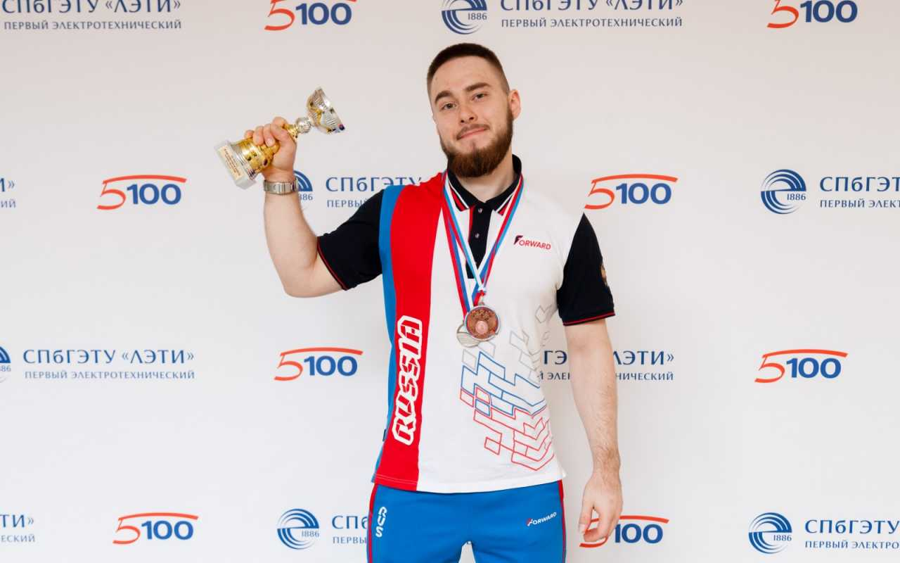 ETU student will represent Russia at the World Junior Powerlifting Championships in Canada